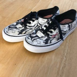 Vans Black and White Rose Floral - Women's Size 7